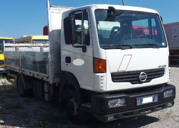 NISSAN ATLEON 80.19 euro 5 open body with tow hitch